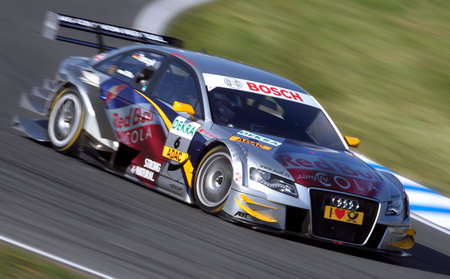 DTM in Oschersleben (Kategorie Tourenwagen) - Martin Tomczyk im Audi A4 at speed